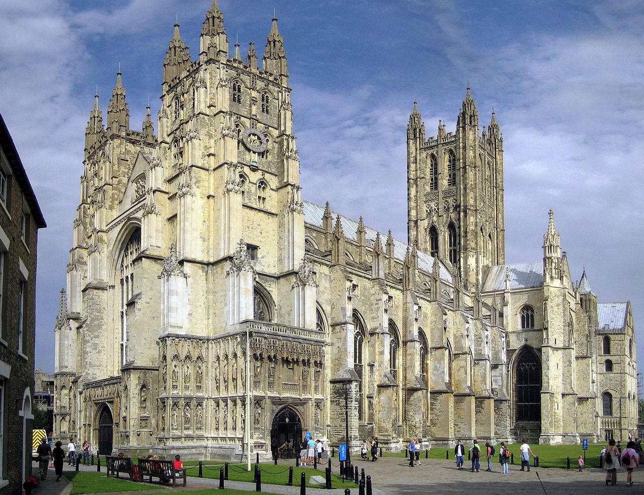 קתדרלת קנטרברי, קתדרלה גותית של הכנסייה האנגליקנית ואחד האתרים הנוצריים העתיקים והחשובים בבריטניה. הקתדרלה היא מושב הארכיבישוף של קנטרברי, שהוא הפרימוס של אנגליה כולה והמנהיג הדתי של הכנסייה האנגליקנית