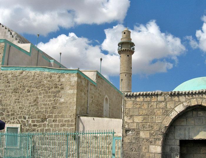 המסגד הגדול (ראשיתו כנסייה צלבנית, ואחר כך מסגד איובי) צילום אילן גד