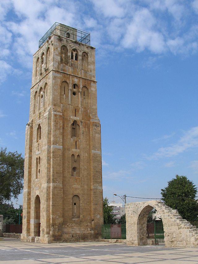 המגדל המרובע ברמלה
