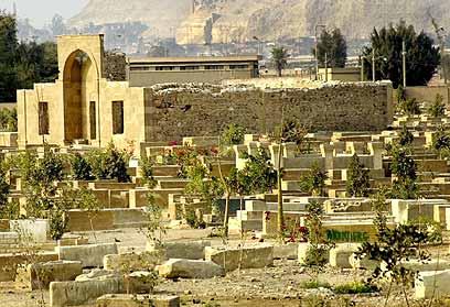 בית הקברות העתיק בפסטאט