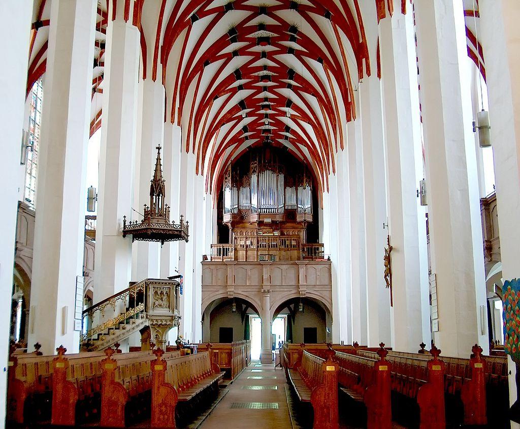 פנים הכנסייה