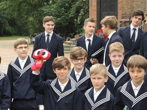 נערים ממקהלת הנערים של כנסיית סט. תומס