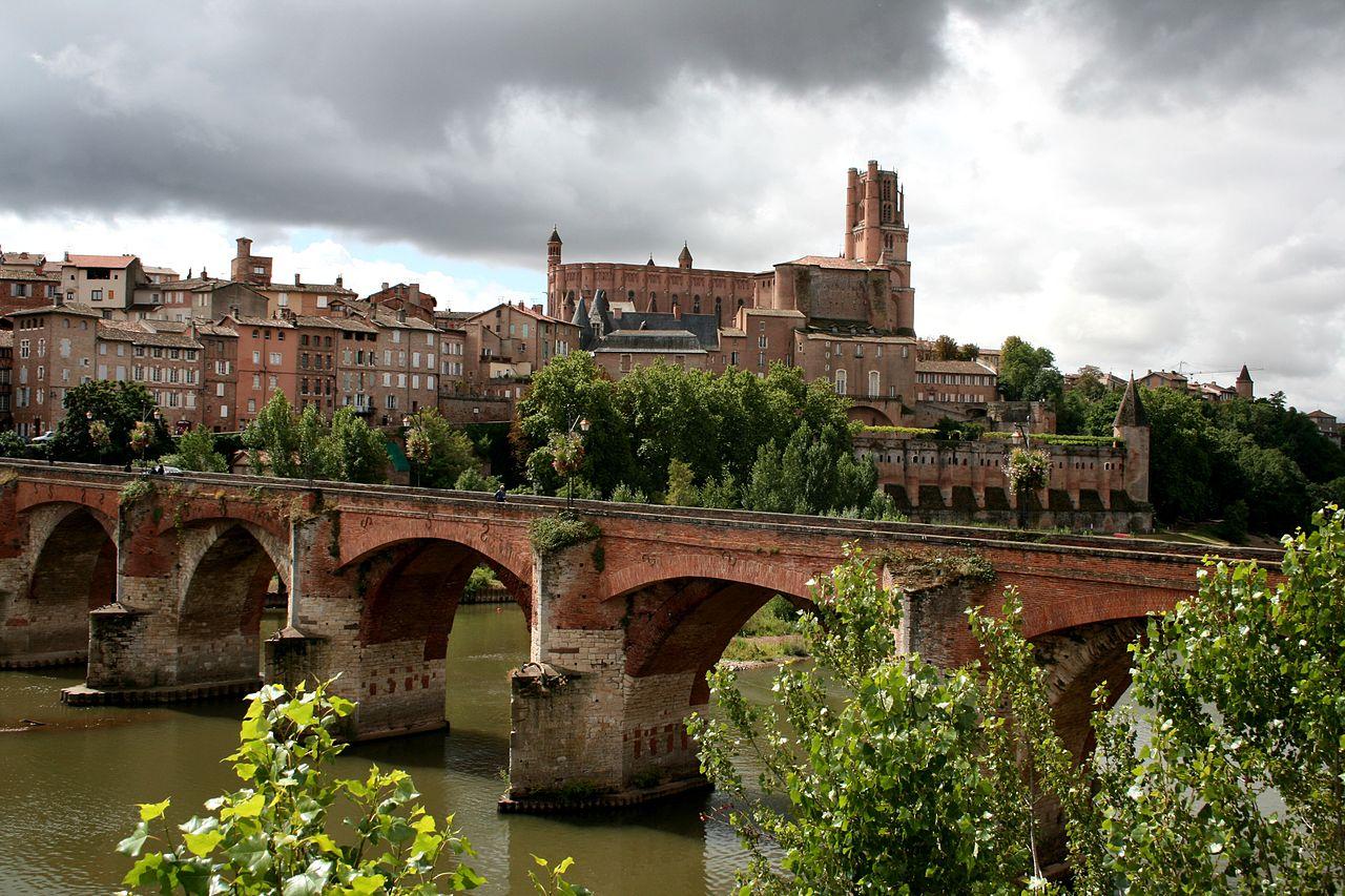 אלבי: הקתדרלה והגשר
