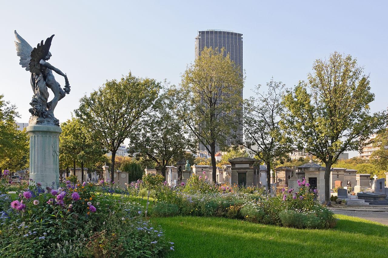 הכיכר המרכזית בבית הקברות עם פסל הנחושת של הורס דייון Horace Daillion