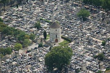 מבט כללי על בית הקברות מונפרנס