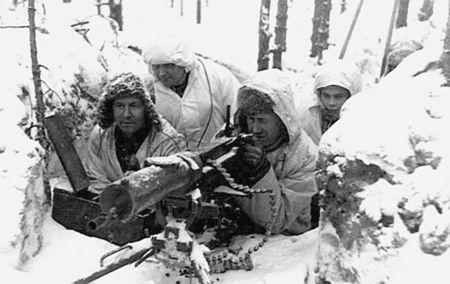 חיילים פיניים בעמדותיהם