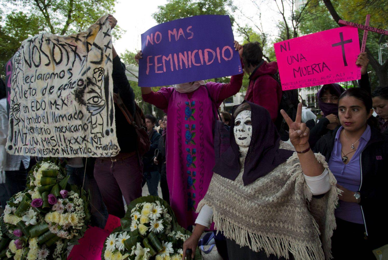 הפגנה נגד רצח נשים במחוז צ'יוואווה, מקסיקו. תיאוריות למכביר צילום: גטי אימג`ס