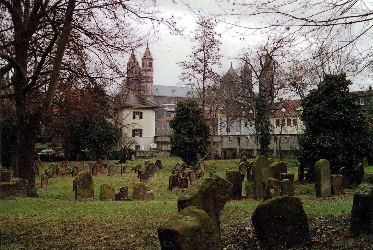 בית הקברות היהודי בוורמס (וורמיזה) עדות אילמת לקהילה היהודית המפוארת