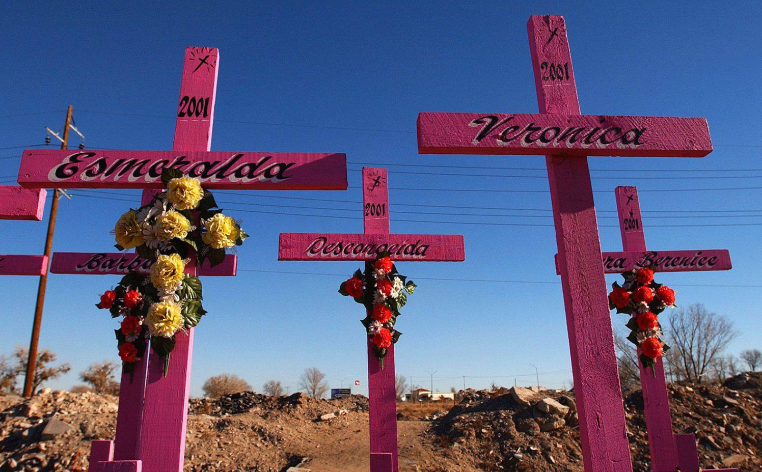 """בית קברות במקסיקו. """"אנשים שבהתחלה חוגגים ובסוף הורגים זה את זה... העיר יכולה לנשום לרווחה"""" צילום: אי־פי"""