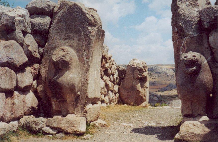 שער האריות בחתושש - בירת הממלכה החיתית, צולם ב-2001
