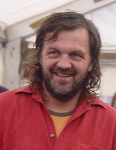 אמיר קוסטוריצה