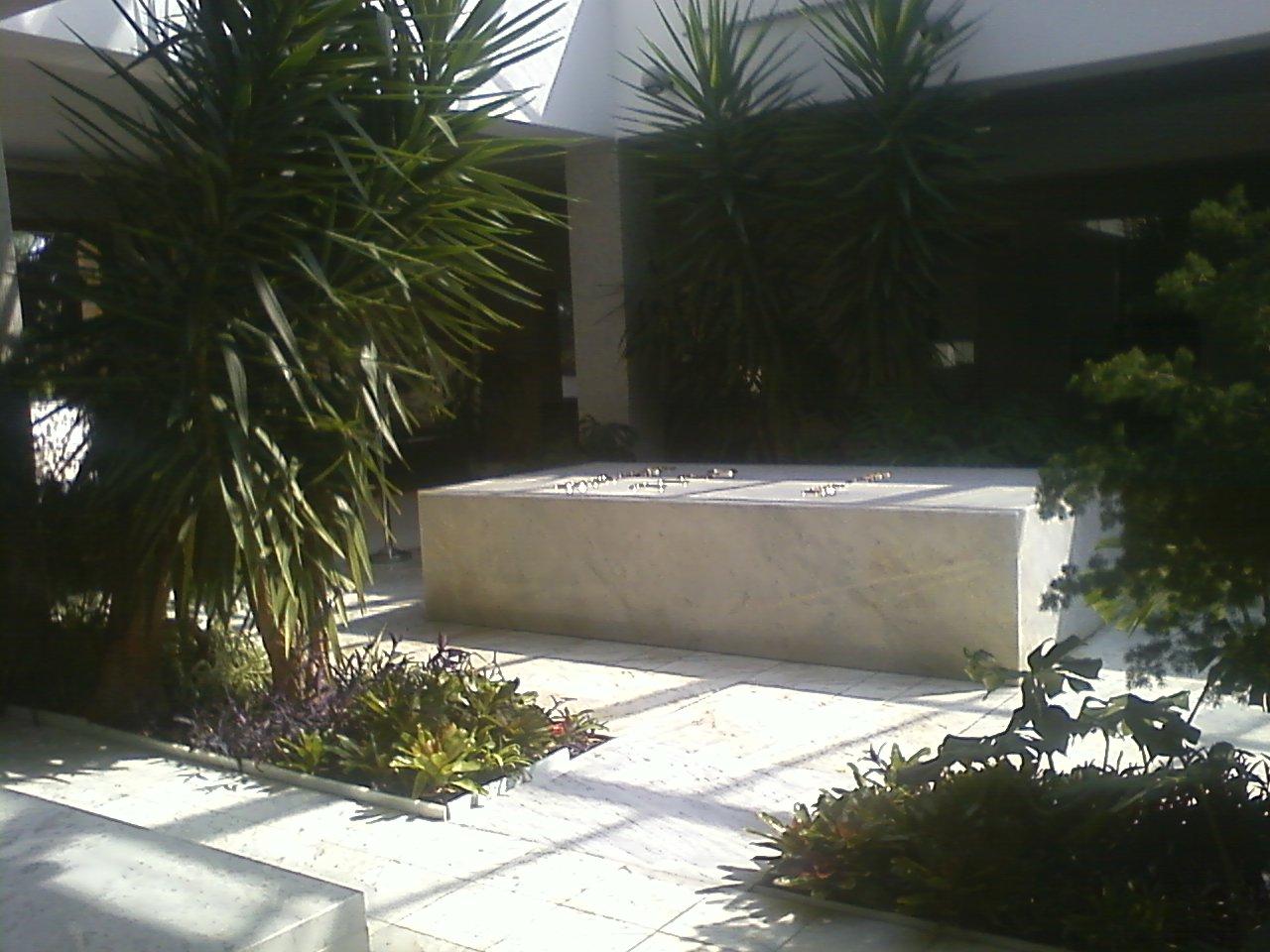 קבר טיטו
