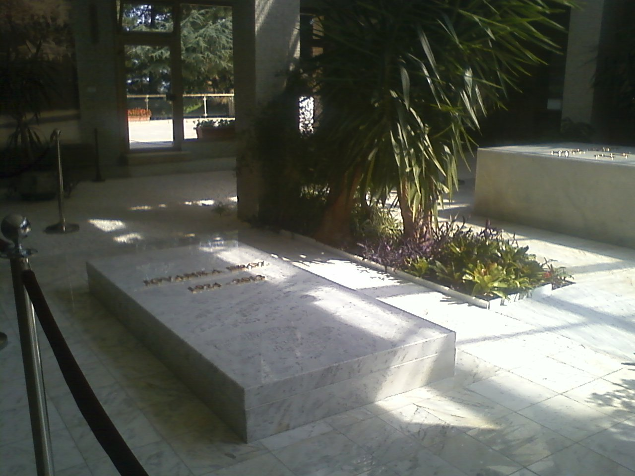"""קברה של יובנקה טיטו במאוזוליאום """"בית הפרחים"""""""